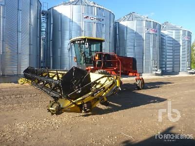 2005 NEW HOLLAND HW305 30 Ft Swather